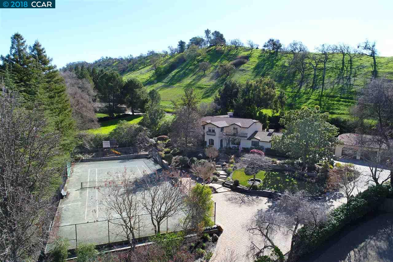 Single Family Home for Sale at 640 La Casa Via 640 La Casa Via Walnut Creek, California 94598 United States