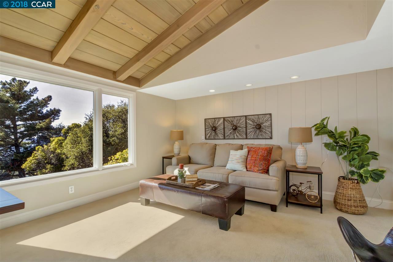 Additional photo for property listing at 36 Kensington Court 36 Kensington Court Kensington, Калифорния 94707 Соединенные Штаты
