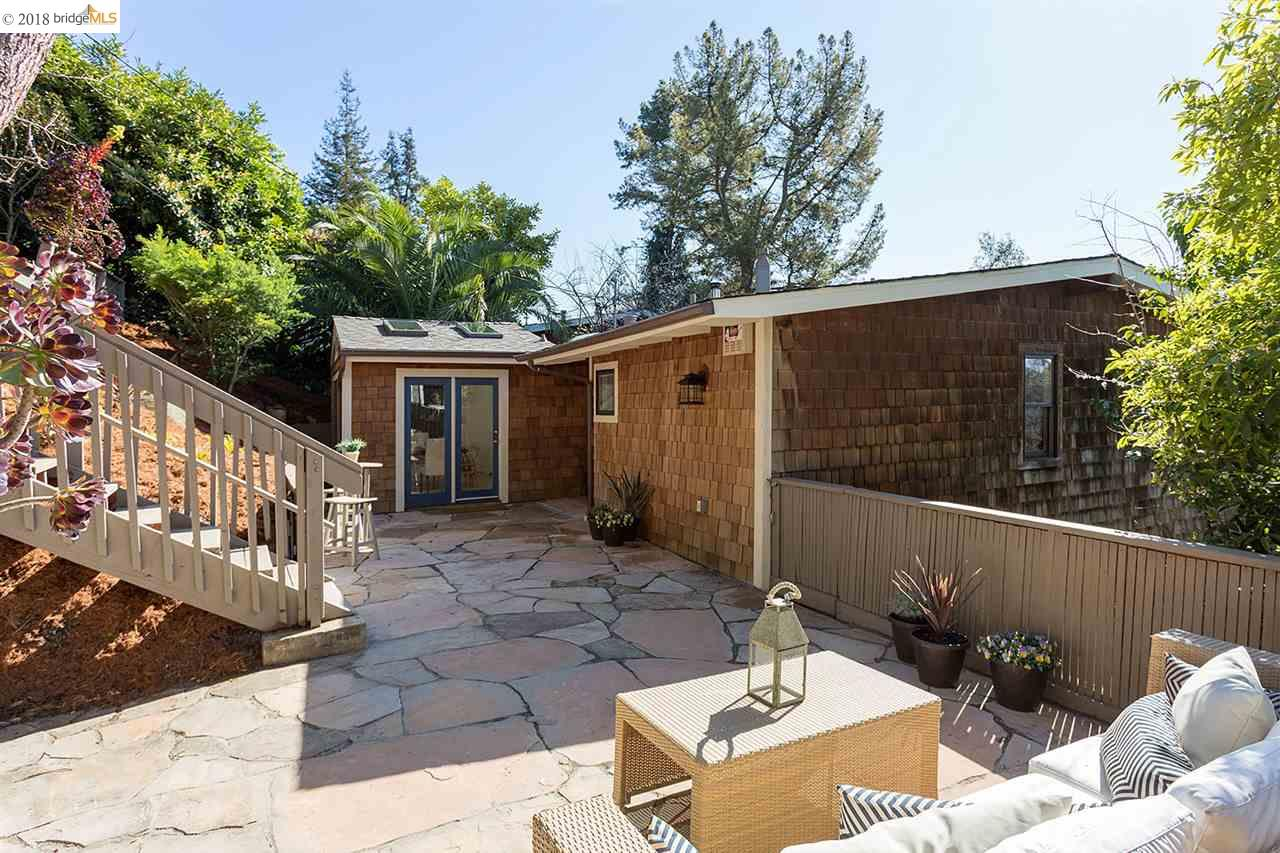 255 CAPRICORN AVE, OAKLAND, CA 94611  Photo 1