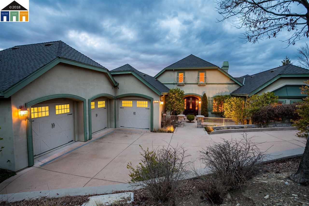 Single Family Home for Sale at 172 Oak Wood Court 172 Oak Wood Court Copperopolis, California 95228 United States