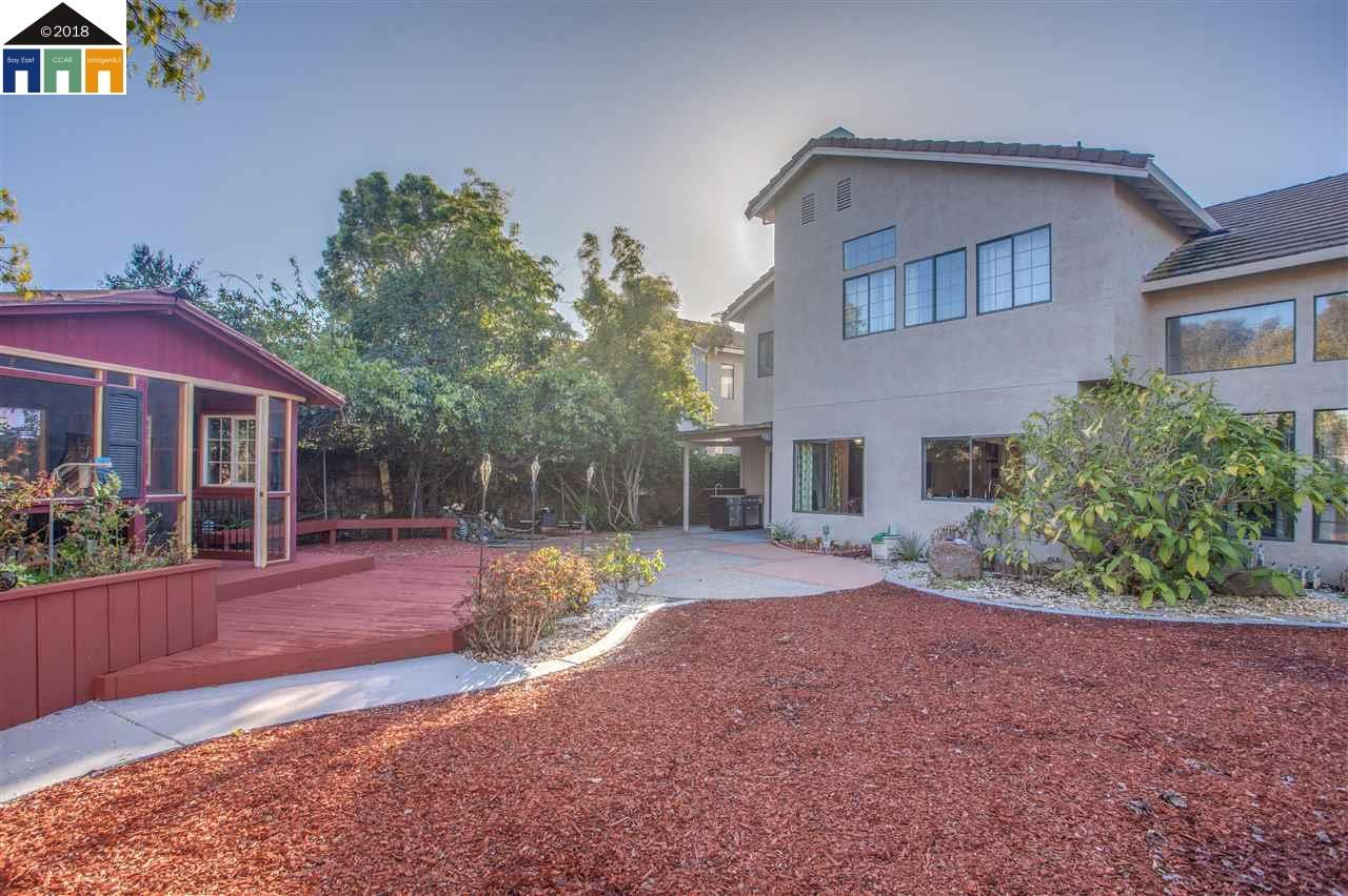 Additional photo for property listing at 32521 Seaside Drive 32521 Seaside Drive Union City, California 94587 United States