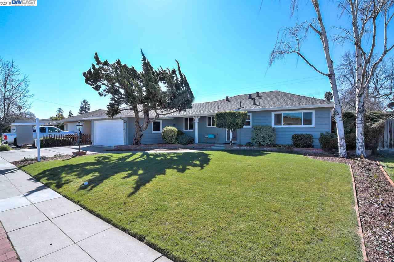 Maison unifamiliale pour l Vente à 38267 Farwell Drive 38267 Farwell Drive Fremont, Californie 94536 États-Unis