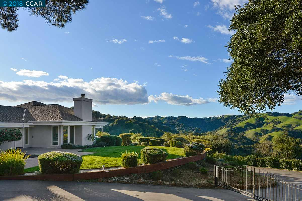 Single Family Home for Sale at 60 Leslyn Lane 60 Leslyn Lane Lafayette, California 94549 United States