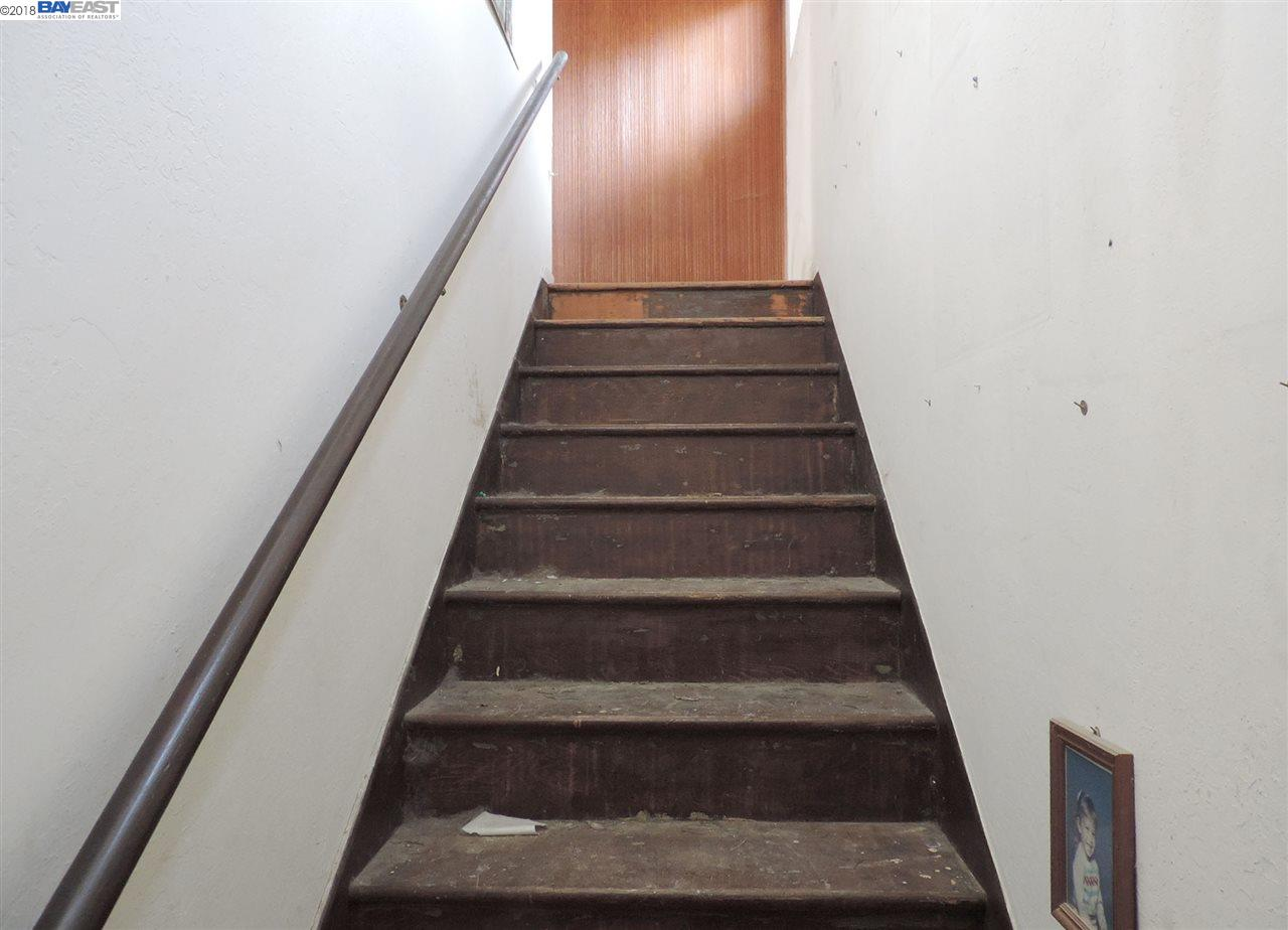 Additional photo for property listing at 24650 Townsend Avenue 24650 Townsend Avenue Hayward, カリフォルニア 94544 アメリカ合衆国