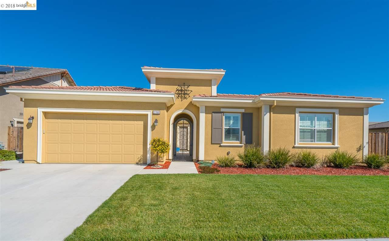 Single Family Home for Sale at 2700 Manresa Shore Lane 2700 Manresa Shore Lane Oakley, California 94561 United States