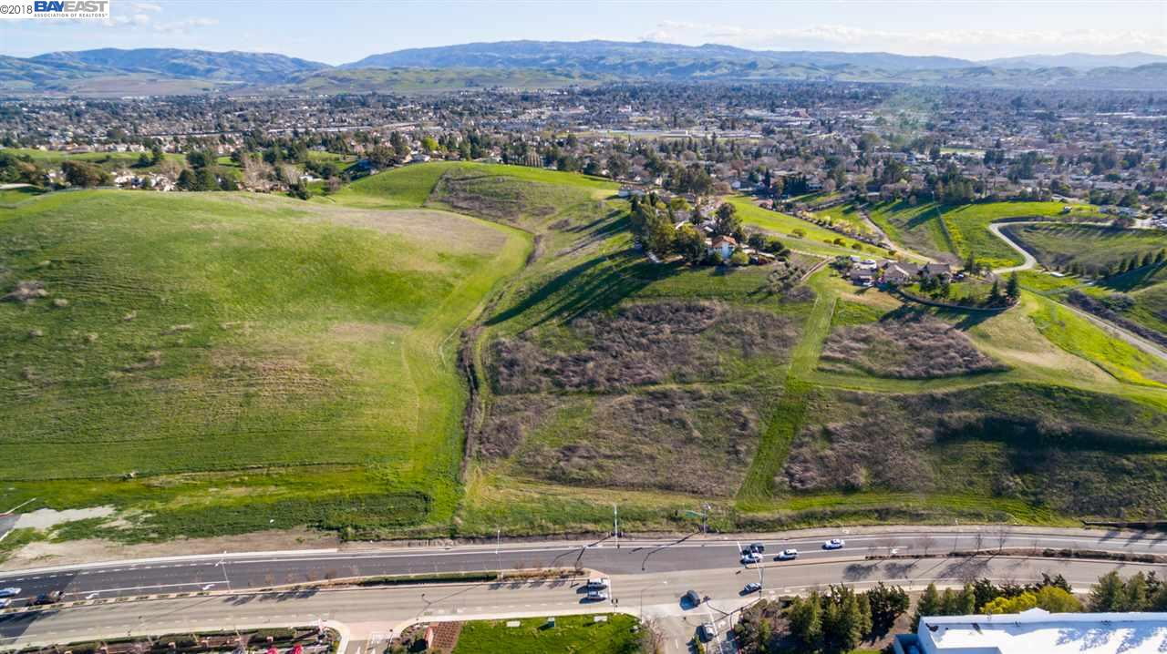 Additional photo for property listing at Las Positas Road Las Positas Road Livermore, カリフォルニア 94551 アメリカ合衆国