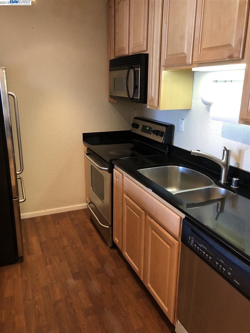 Additional photo for property listing at 155 Sharene Lane 155 Sharene Lane Walnut Creek, カリフォルニア 94596 アメリカ合衆国