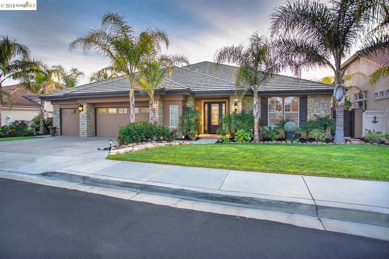 واحد منزل الأسرة للـ Sale في 4056 Newport Lane 4056 Newport Lane Discovery Bay, California 94505 United States