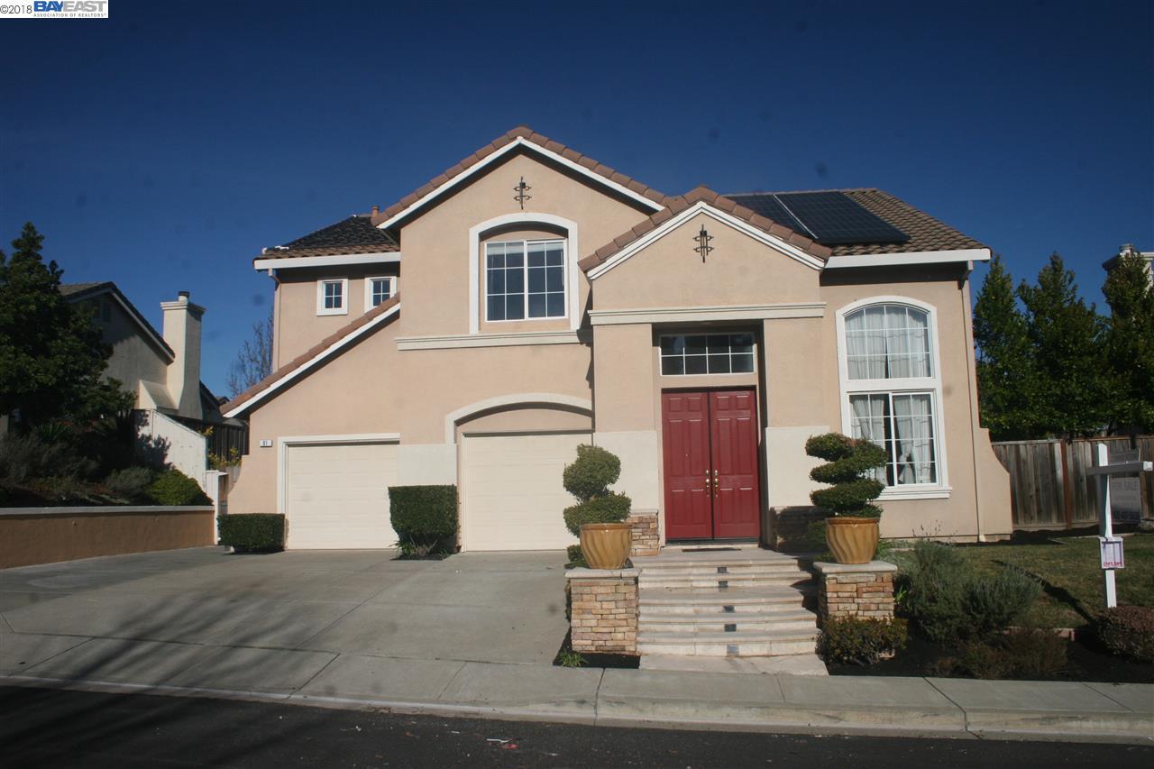 獨棟家庭住宅 為 出售 在 61 Foster Drive 61 Foster Drive San Ramon, 加利福尼亞州 94583 美國