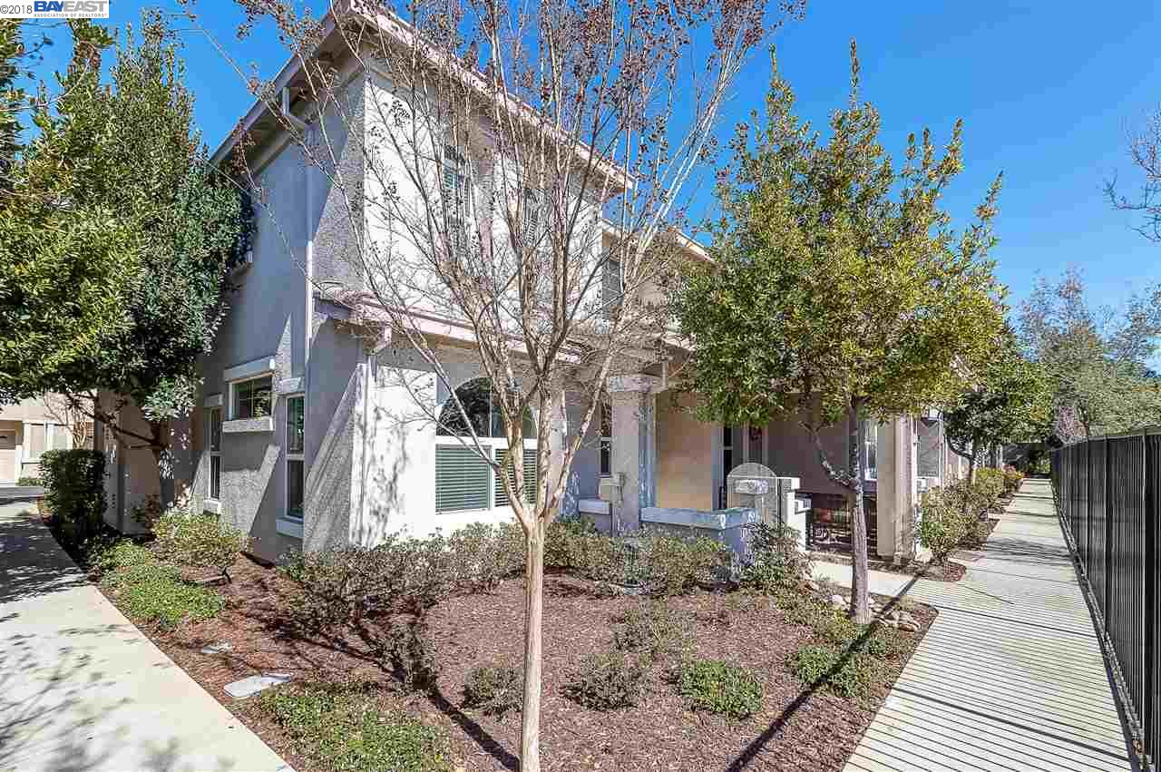 Townhouse for Sale at 6269 Forget Me Not 6269 Forget Me Not Livermore, California 94551 United States