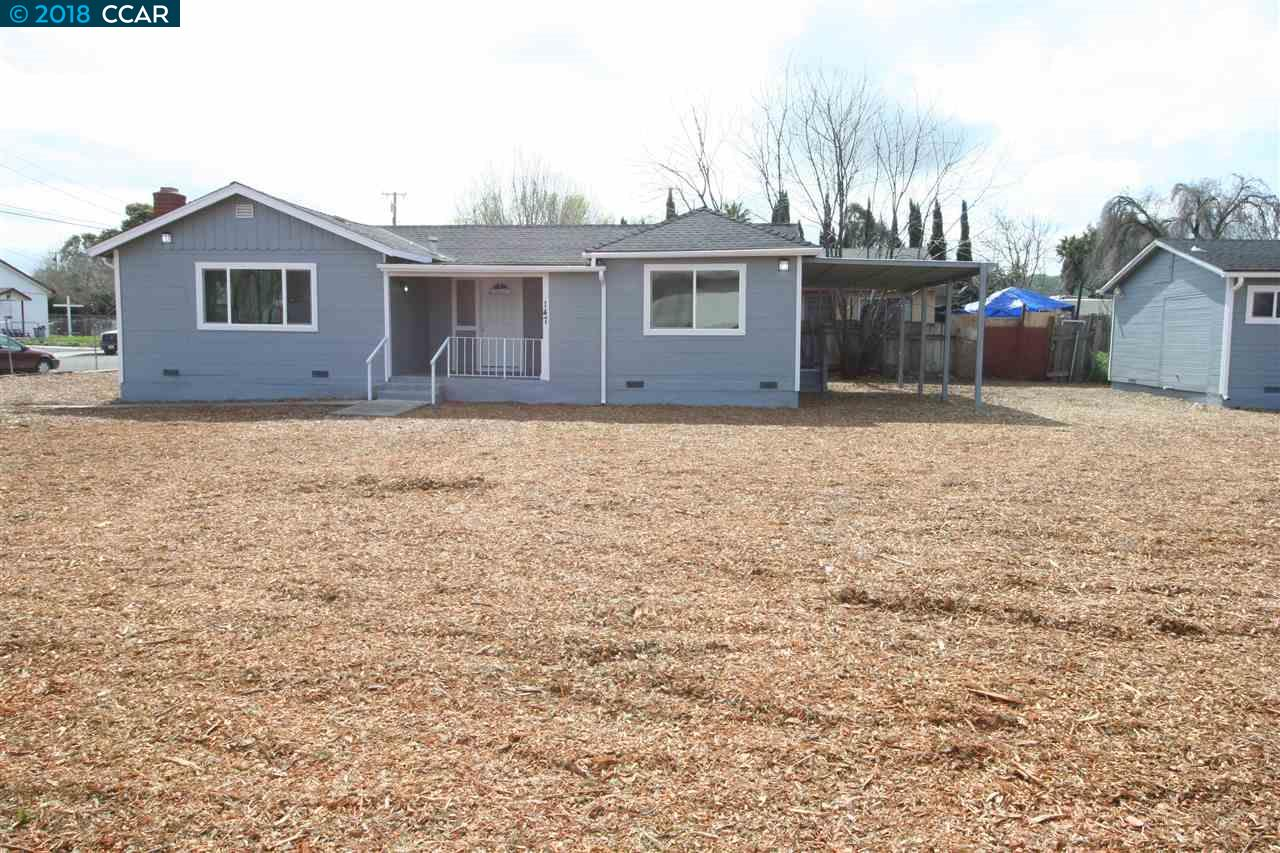 Single Family Home for Sale at 158 N Broadway 158 N Broadway Bay Point, California 94565 United States