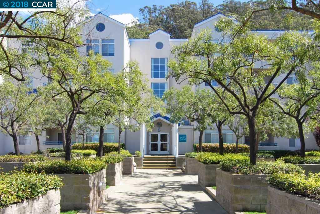 شقة بعمارة للـ Sale في 535 Pierce Street 535 Pierce Street Albany, California 94706 United States