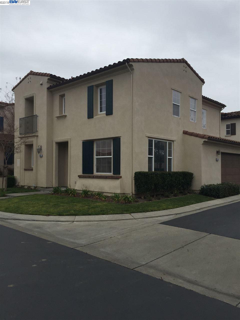 Частный односемейный дом для того Аренда на 9752 Belladonna Drive 9752 Belladonna Drive San Ramon, Калифорния 94582 Соединенные Штаты