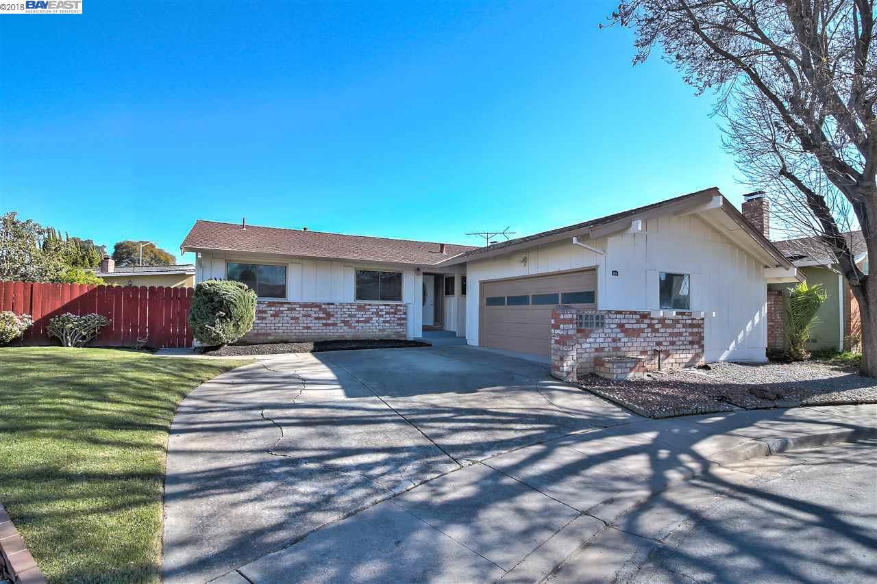 Maison unifamiliale pour l Vente à 3124 Mackenzie Place 3124 Mackenzie Place Fremont, Californie 94536 États-Unis