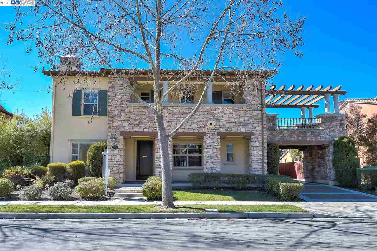 獨棟家庭住宅 為 出售 在 7562 Balmoral Way 7562 Balmoral Way San Ramon, 加利福尼亞州 94582 美國