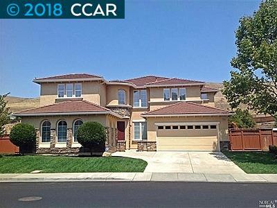 Частный односемейный дом для того Аренда на 1896 Landmark Drive 1896 Landmark Drive Vallejo, Калифорния 94591 Соединенные Штаты