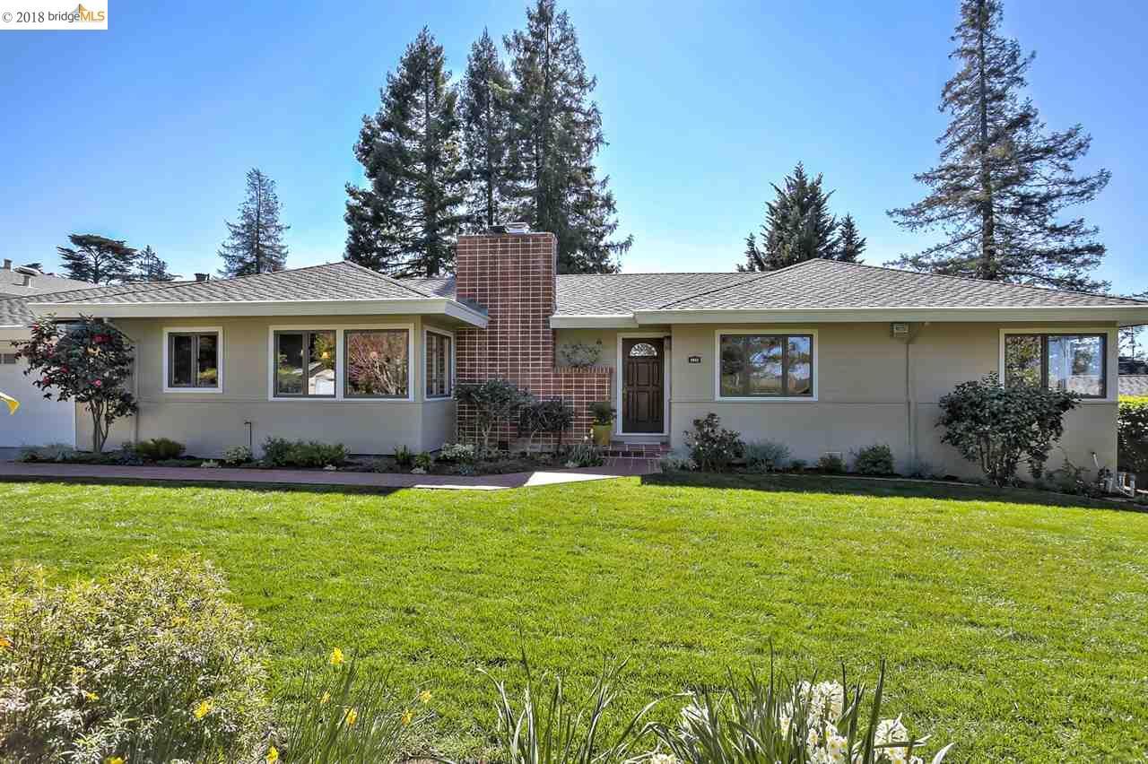 Maison unifamiliale pour l Vente à 2843 BURTON DRIVE 2843 BURTON DRIVE Oakland, Californie 94611 États-Unis