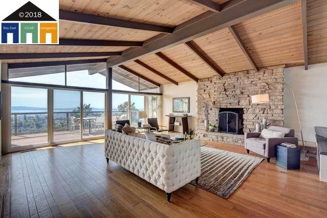 Maison unifamiliale pour l Vente à 5920 Ascot Drive 5920 Ascot Drive Oakland, Californie 94611 États-Unis