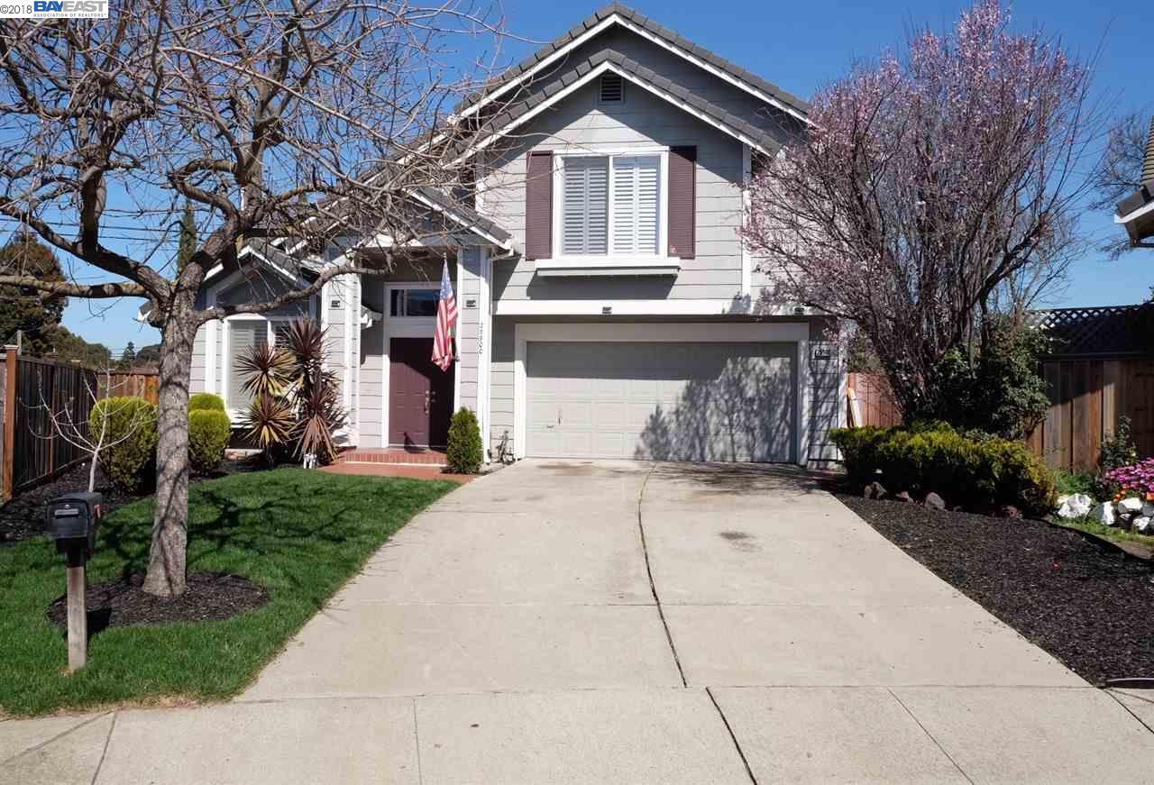 Single Family Home for Sale at 25900 Tarragon Street 25900 Tarragon Street Hayward, California 94544 United States