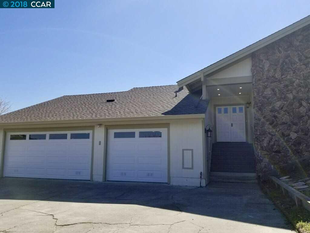 واحد منزل الأسرة للـ Sale في 39 Terri Ann Lane 39 Terri Ann Lane El Sobrante, California 94803 United States