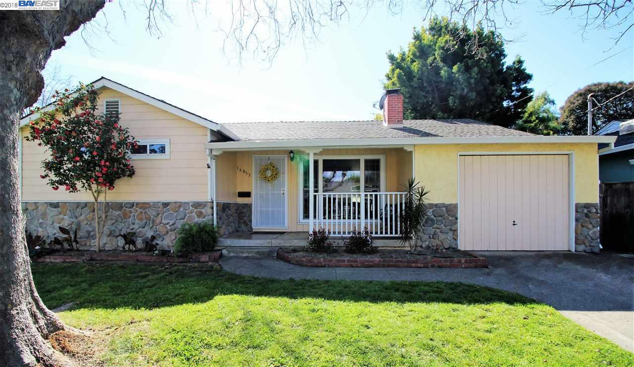 Casa Unifamiliar por un Venta en 16053 Via Cordoba 16053 Via Cordoba San Lorenzo, California 94580 Estados Unidos