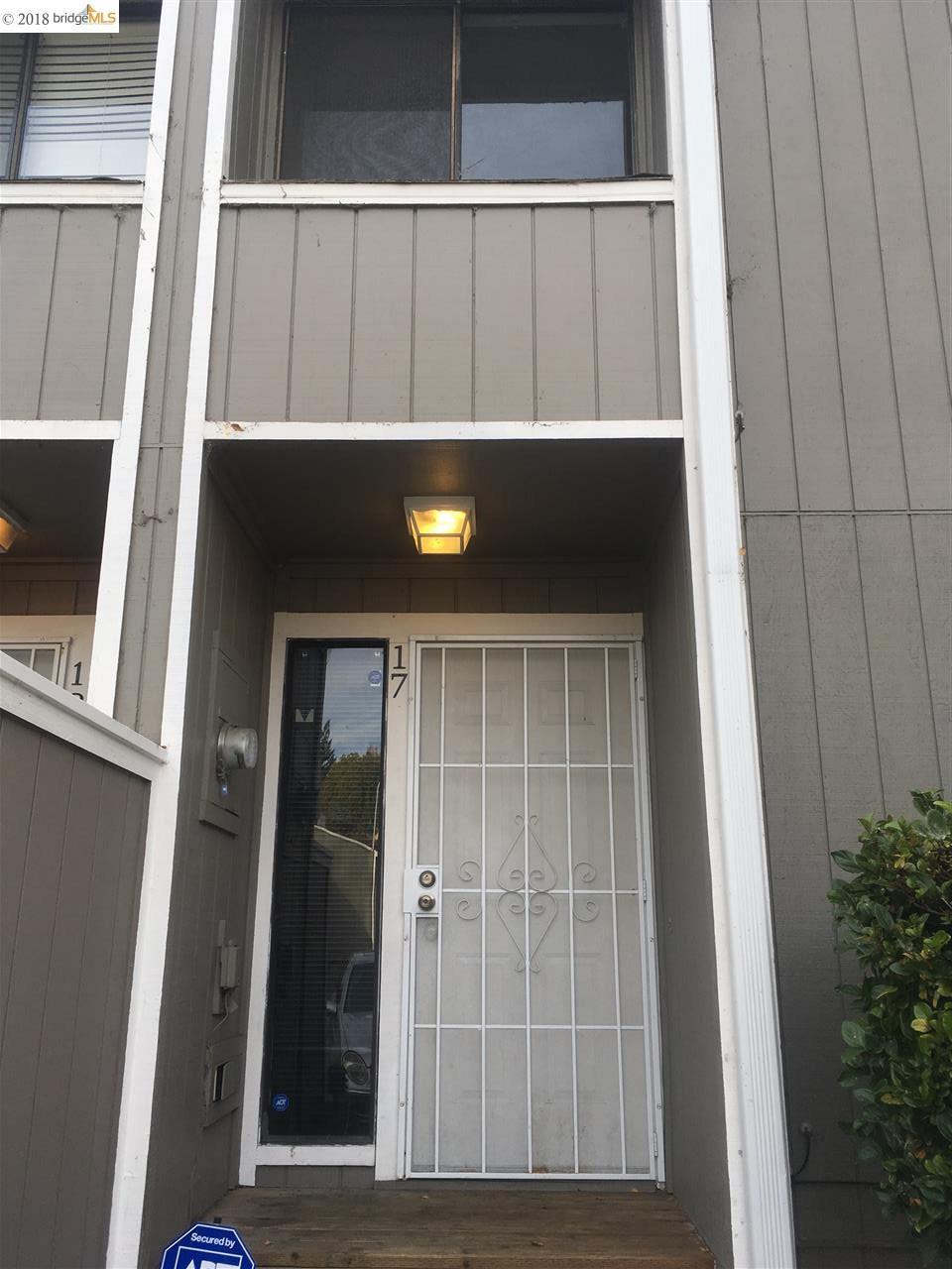 Condominio por un Alquiler en 165 Oddstad Drive 165 Oddstad Drive Vallejo, California 94589 Estados Unidos