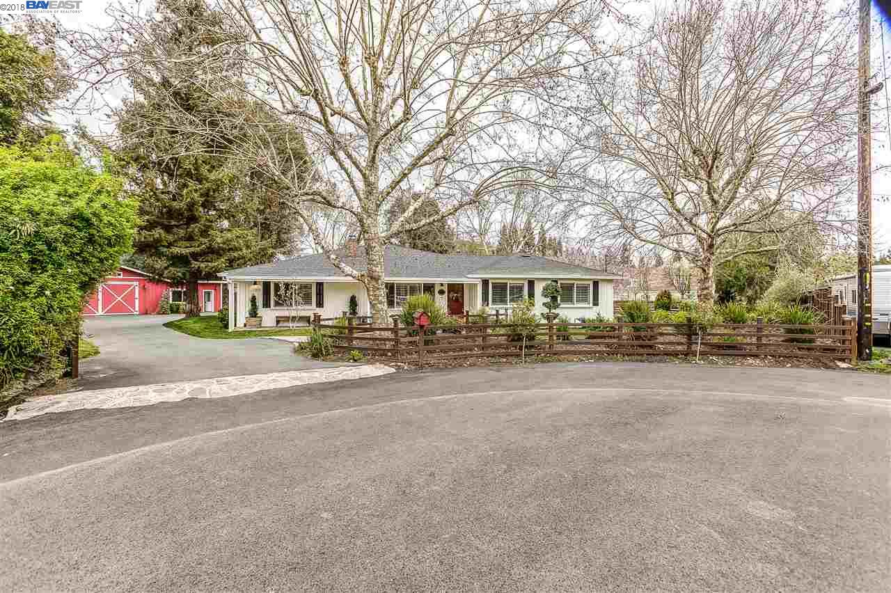 獨棟家庭住宅 為 出售 在 10 Donna Lane 10 Donna Lane Danville, 加利福尼亞州 94526 美國