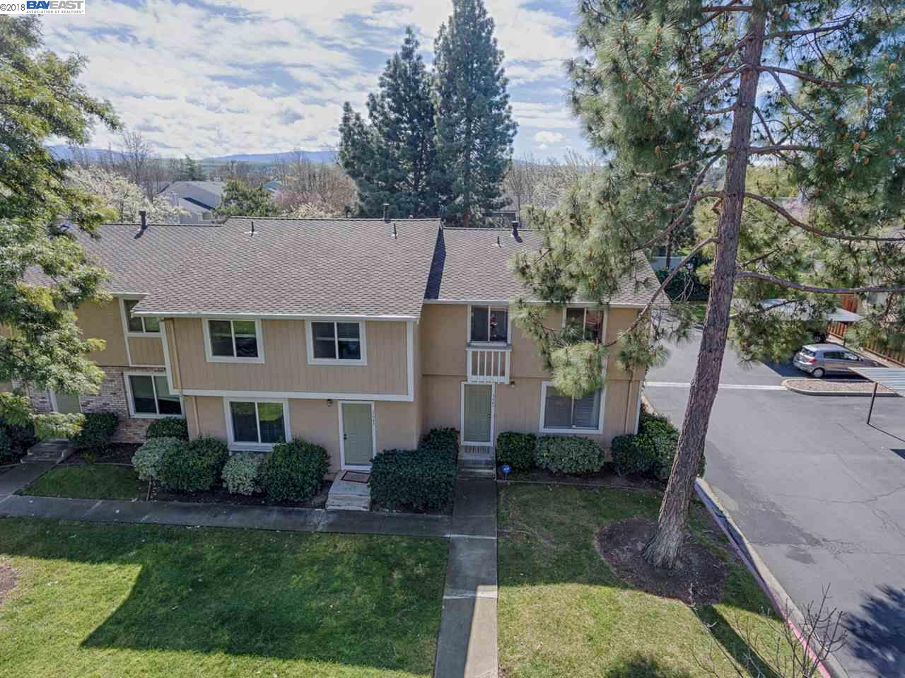Townhouse for Sale at 3641 Carrigan Cmn 3641 Carrigan Cmn Livermore, California 94550 United States