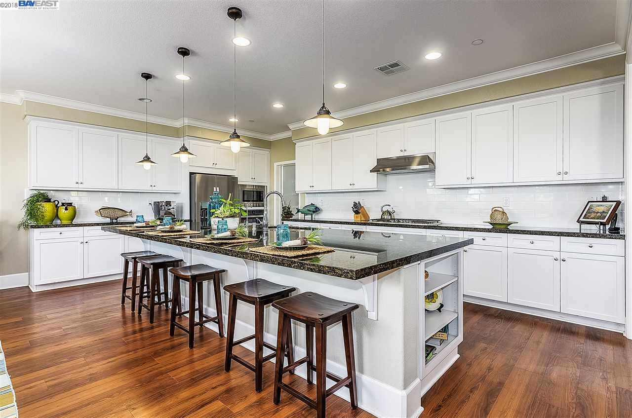 Einfamilienhaus für Verkauf beim 2994 Alves Ranch Road 2994 Alves Ranch Road Pittsburg, Kalifornien 94565 Vereinigte Staaten