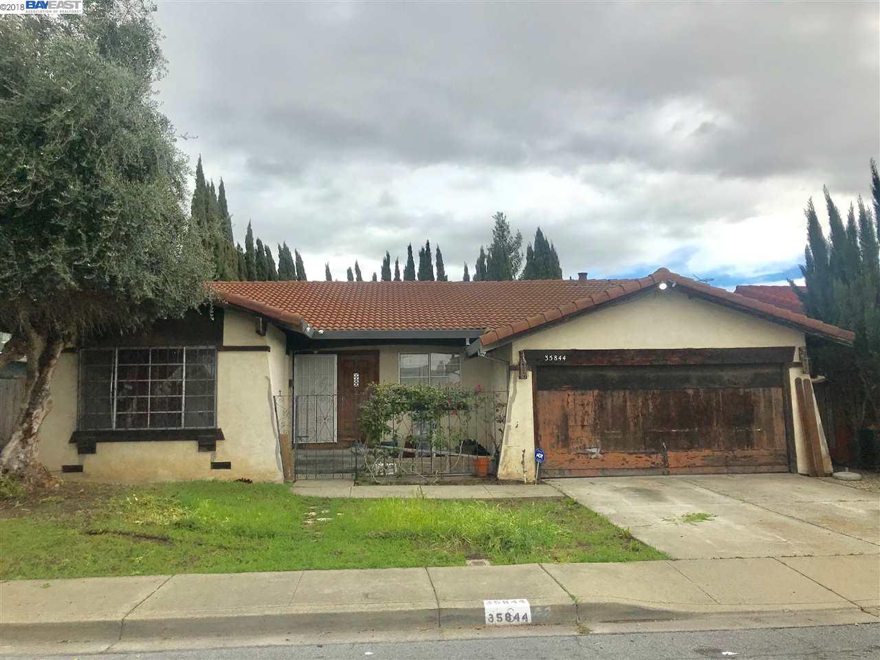 Maison unifamiliale pour l Vente à 35844 Ellmann Plce 35844 Ellmann Plce Fremont, Californie 94536 États-Unis