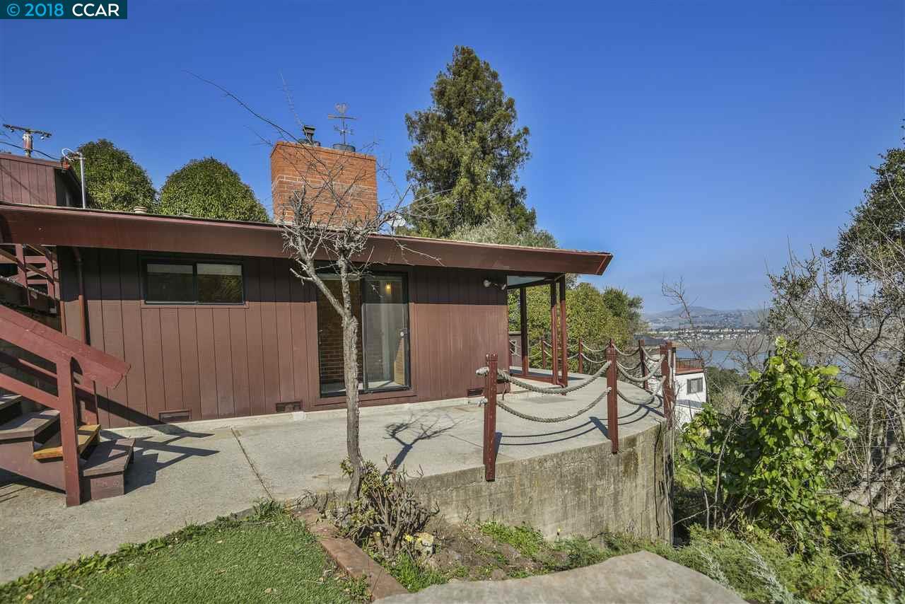 一戸建て のために 売買 アット 25 Gartley Avenue 25 Gartley Avenue Crockett, カリフォルニア 94525 アメリカ合衆国
