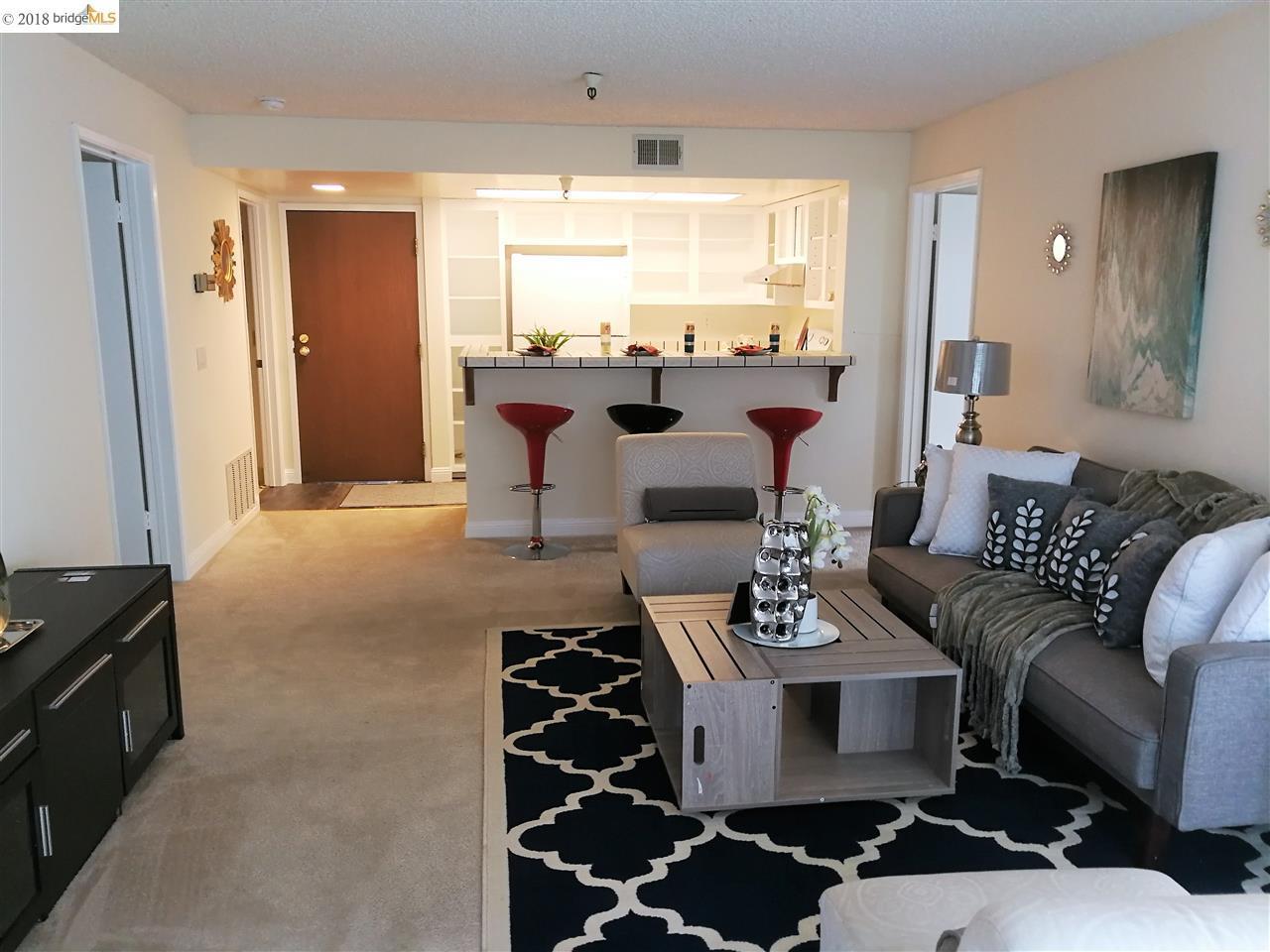 شقة بعمارة للـ Sale في 545 pierce Street 545 pierce Street Albany, California 94706 United States