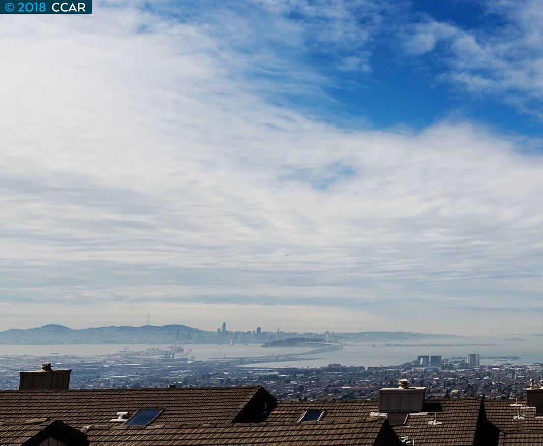 多棟聯建住宅 為 出售 在 17 Binnacle Hill 17 Binnacle Hill Oakland, 加利福尼亞州 94618 美國