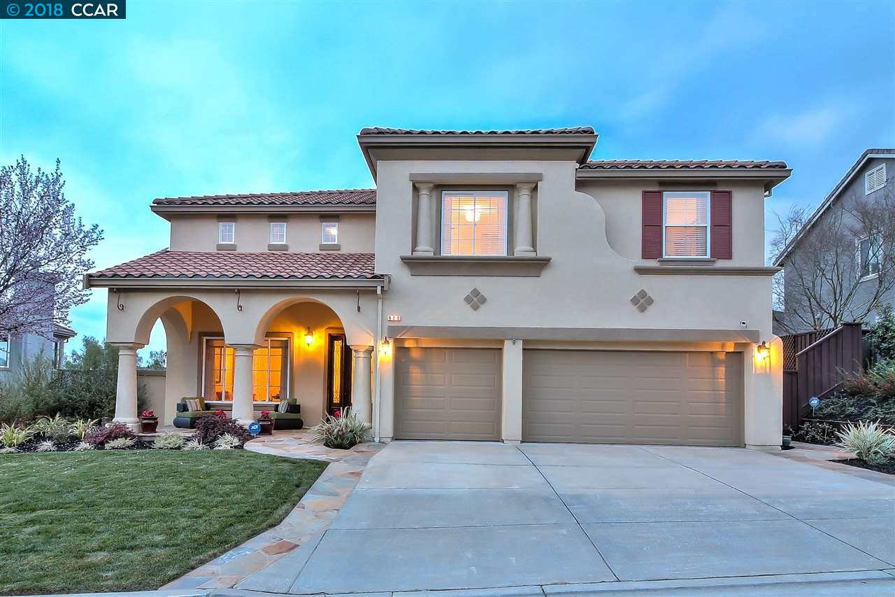 Single Family Home for Sale at 920 Autumn Oak Circle 920 Autumn Oak Circle Concord, California 94521 United States