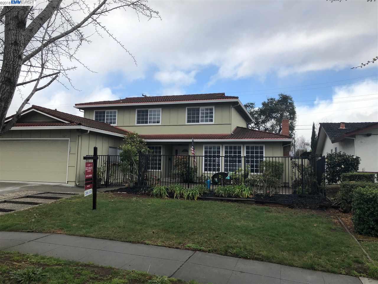 獨棟家庭住宅 為 出售 在 521 South Park Drive 521 South Park Drive San Jose, 加利福尼亞州 95129 美國