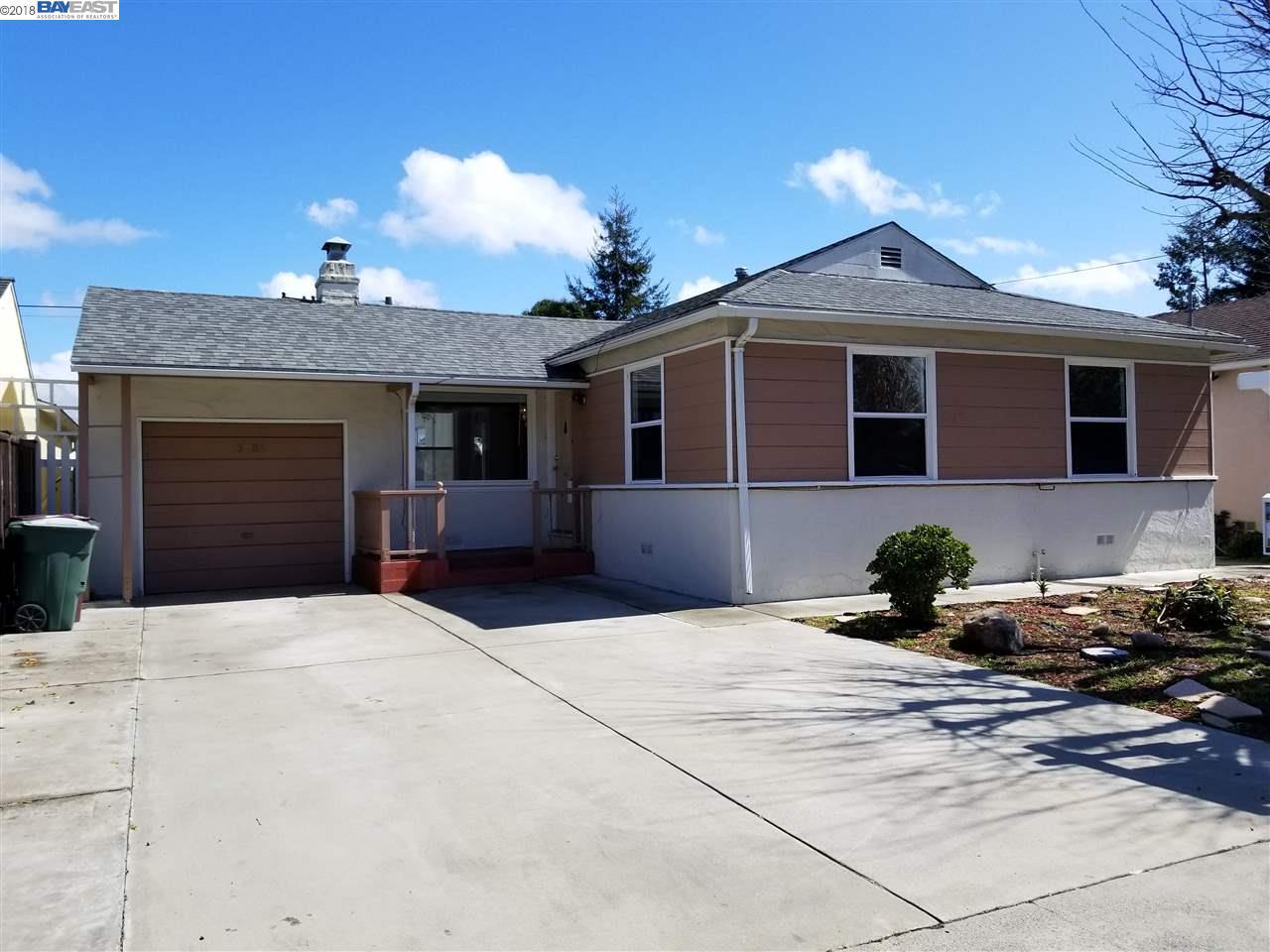 Casa Unifamiliar por un Venta en 16084 Paseo Largavista 16084 Paseo Largavista San Lorenzo, California 94580 Estados Unidos
