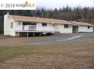 Maison unifamiliale pour l Vente à 2830 Oregon Street 2830 Oregon Street Weaverville, Californie 96093 États-Unis