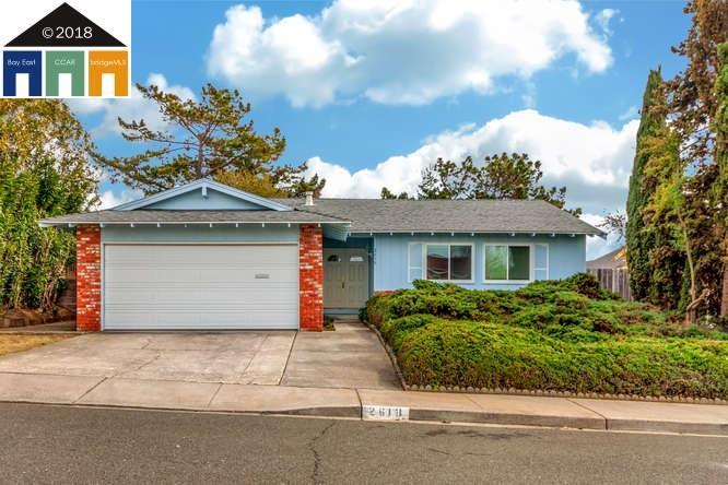 واحد منزل الأسرة للـ Sale في 2618 Silvercrest Street 2618 Silvercrest Street Pinole, California 94564 United States