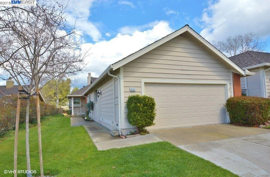 Townhouse for Sale at 562 Silver Lake Drive 562 Silver Lake Drive Danville, California 94526 United States