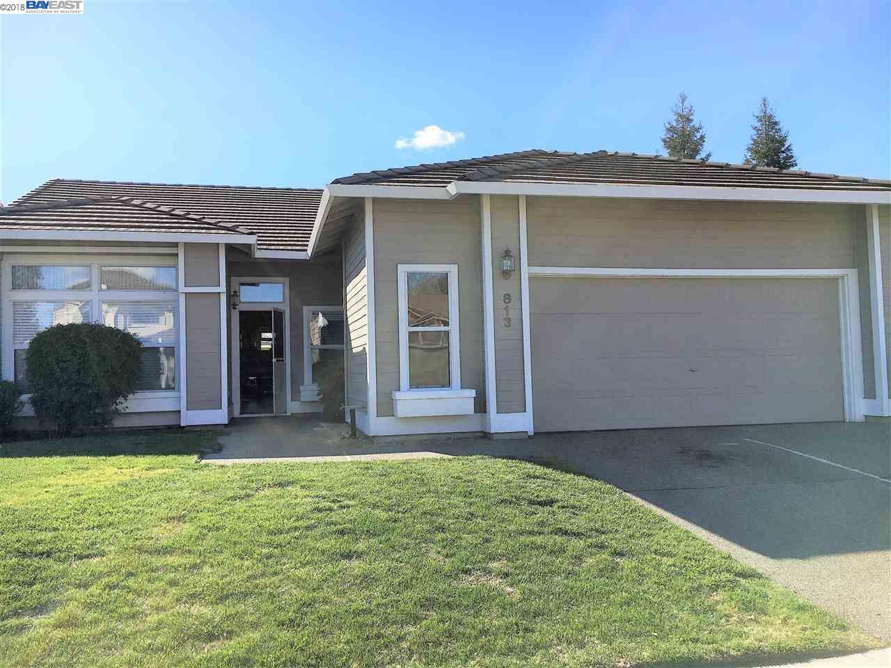 واحد منزل الأسرة للـ Sale في 813 Zaragoza Street 813 Zaragoza Street Davis, California 95618 United States