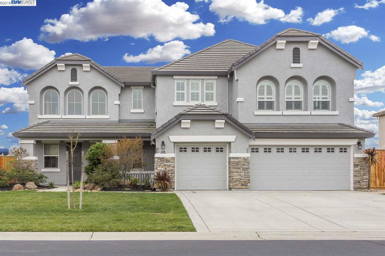 Einfamilienhaus für Verkauf beim 33381 Pintail Street 33381 Pintail Street Woodland, Kalifornien 95695 Vereinigte Staaten