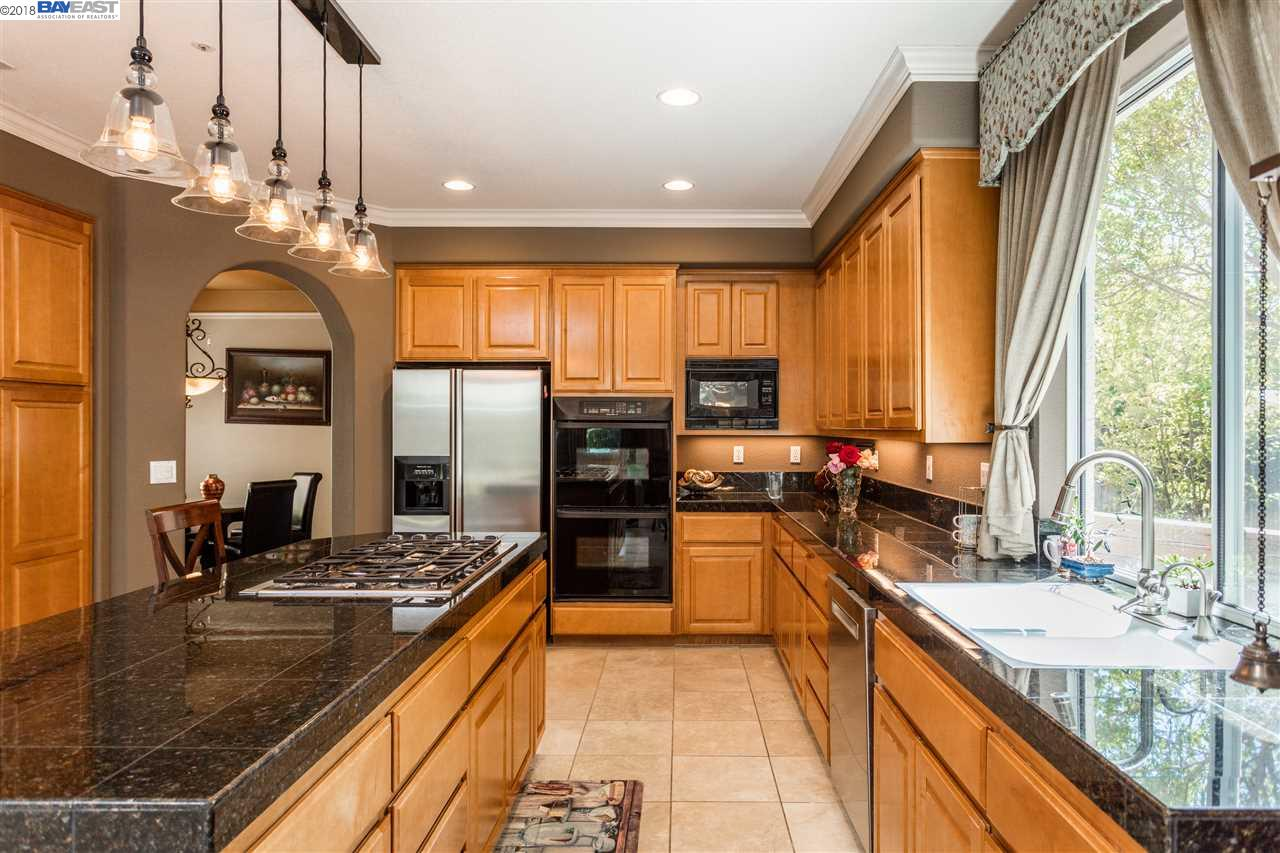 386 CALL OF THE WILD WAY, LIVERMORE, CA 94550  Photo 6