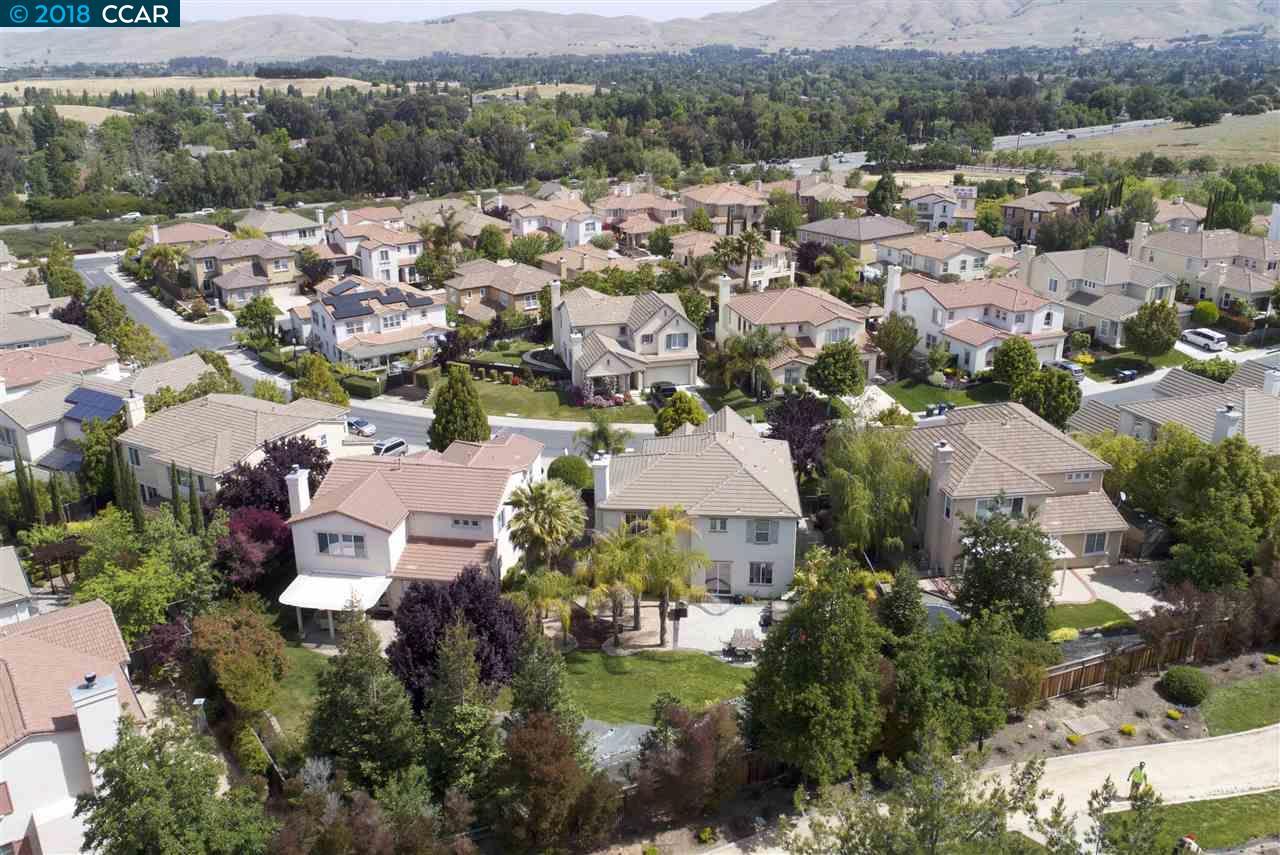 1263 OAK KNOLL DR, CONCORD, CA 94521  Photo