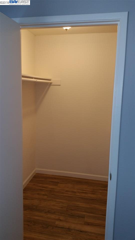 MLS40 4040 Wwwmarcromer 40 Lemontree Way 40 New Laminate Floor Bedroom Remodelling