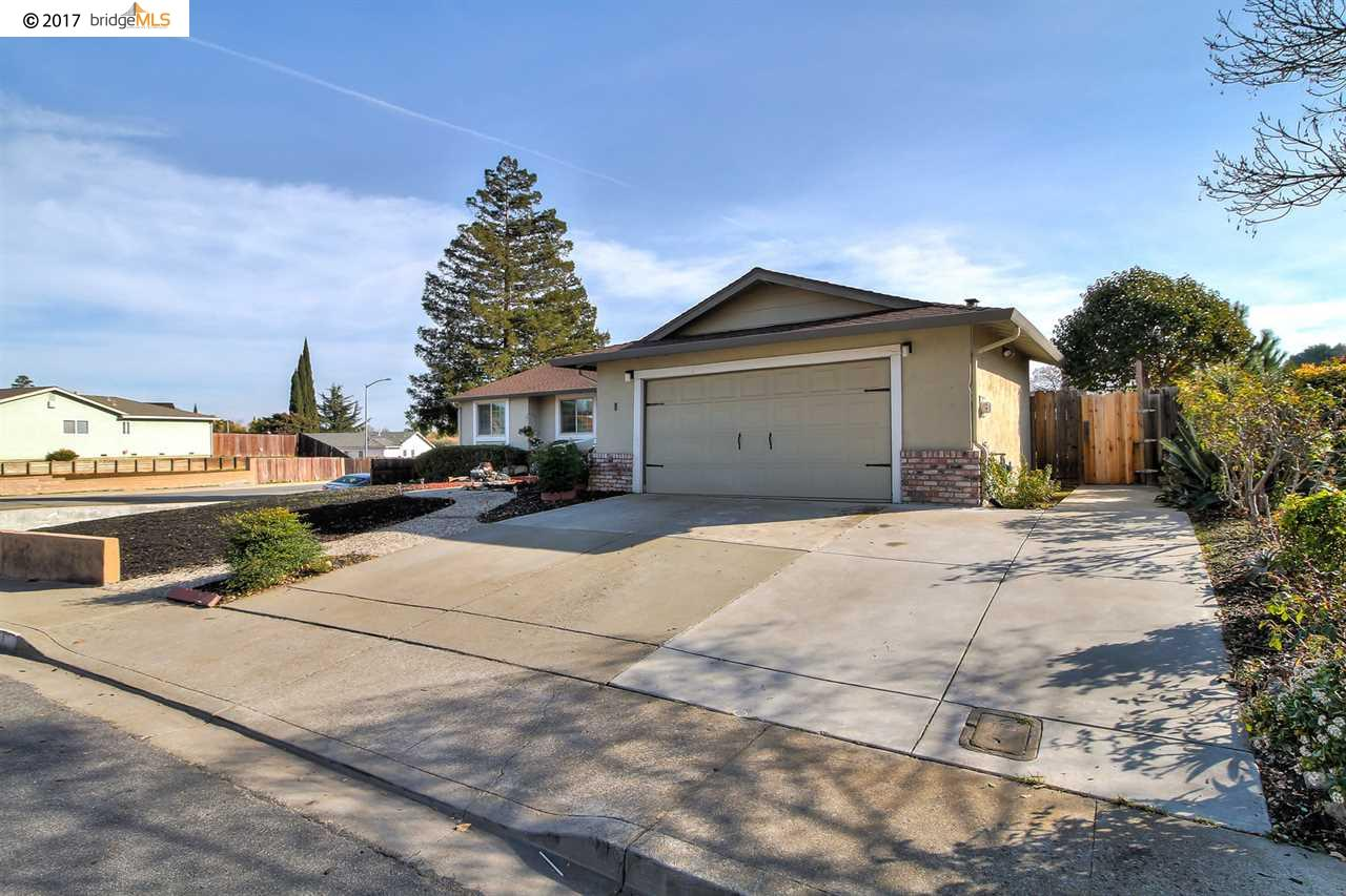 1 Kingswood Dr, PITTSBURG, CA 94565