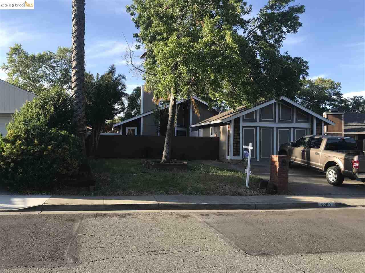 2203 Lynbrook Dr, PITTSBURG, CA 94565