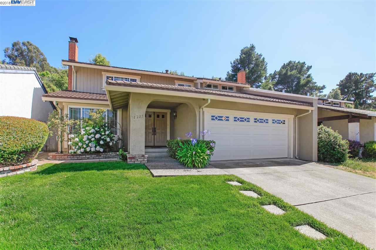 1227 PARKWAY DR, RICHMOND, CA 94803
