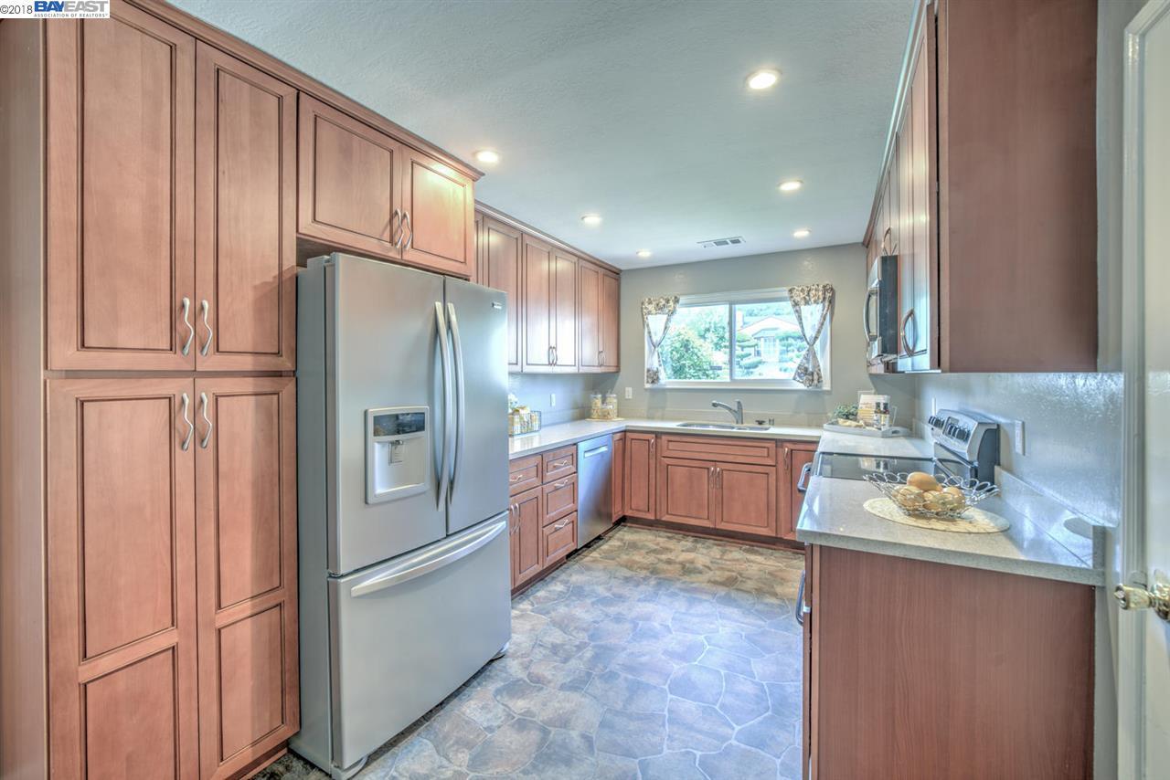 2183 Grove Way, Castro Valley, CA 94546   J. Rockcliff Realtors