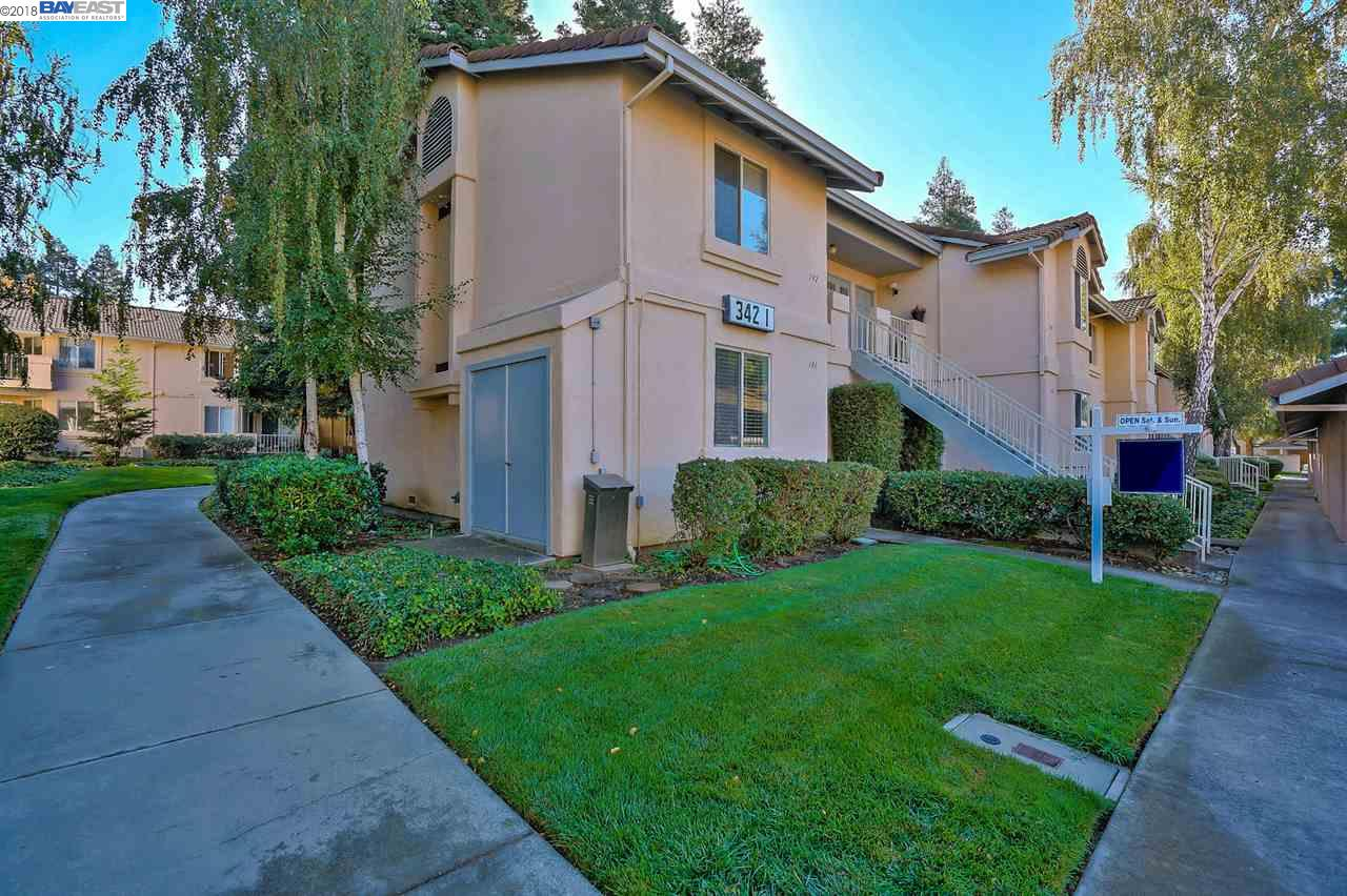 Rarely available starter/investor home in Livermore at under $350K!  This 1st floor, end-unit condo features 1bd, 1ba, an open floor plan with newly painted kitchen cabinets, updated carpets and laminate flooring, updated vanity in bathroom and a newer water heater. Other features include a private patio with garden views, a covered parking space in front of the unit and an exterior storage closet.  Located in desirable Brookmeadow, community amenities include 2 pools, a spa, tennis courts, playground/park area and a community room.  Centrally located in Livermore, you'll enjoy easy access to downtown's restaurants, shopping and theaters, South Livermore wineries and craft beer tasting, Freeways, BART and the ACE Train.   Opportunities like this don't come around often!
