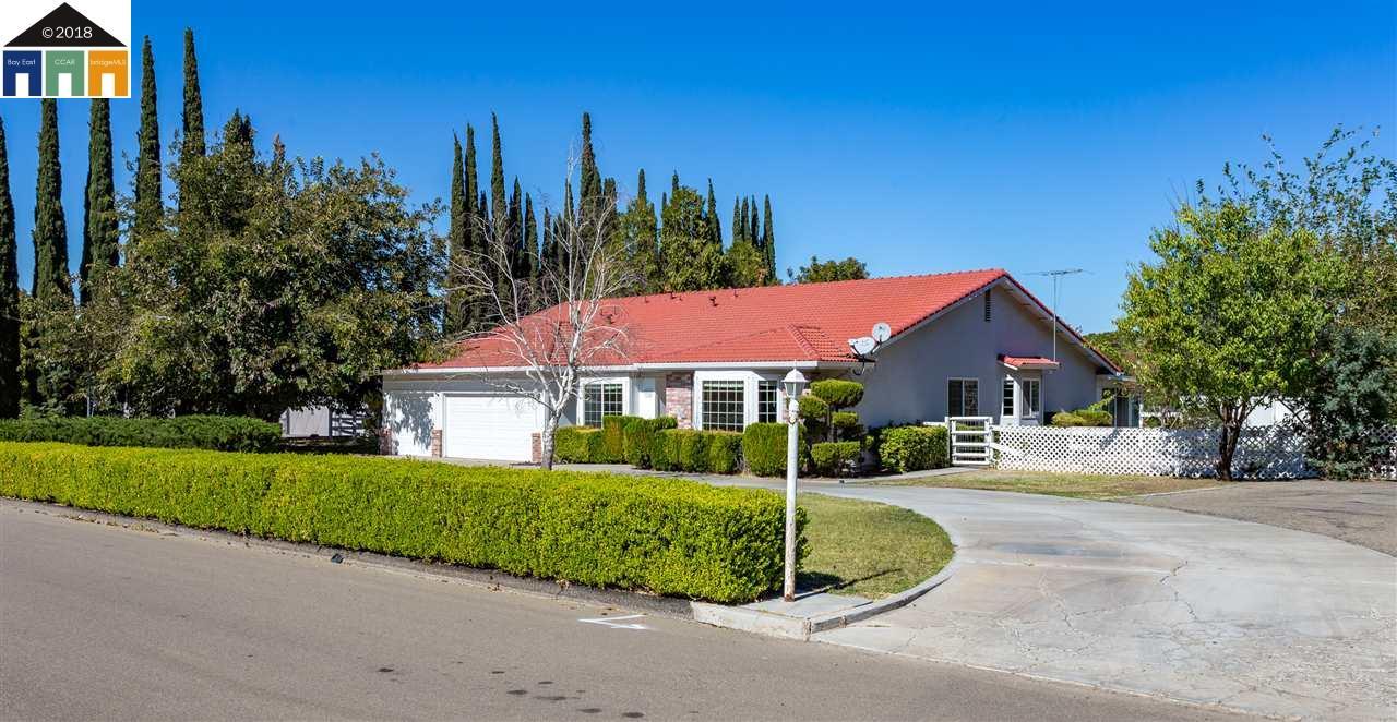 7821 Stearman Rd, Tracy, CA 95377 - 5 Beds   2/1 Baths (Sold